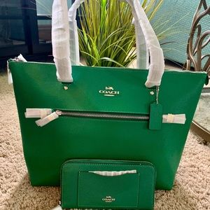 Coach Gallery Tote and Wallet Set